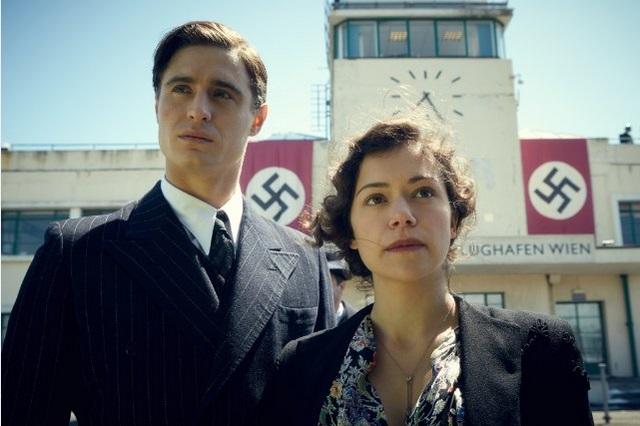 Max Irons and Tatiana Maslany