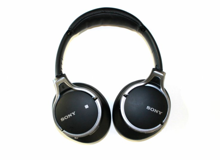 Sony MDR-10RBT bluetooth headphones