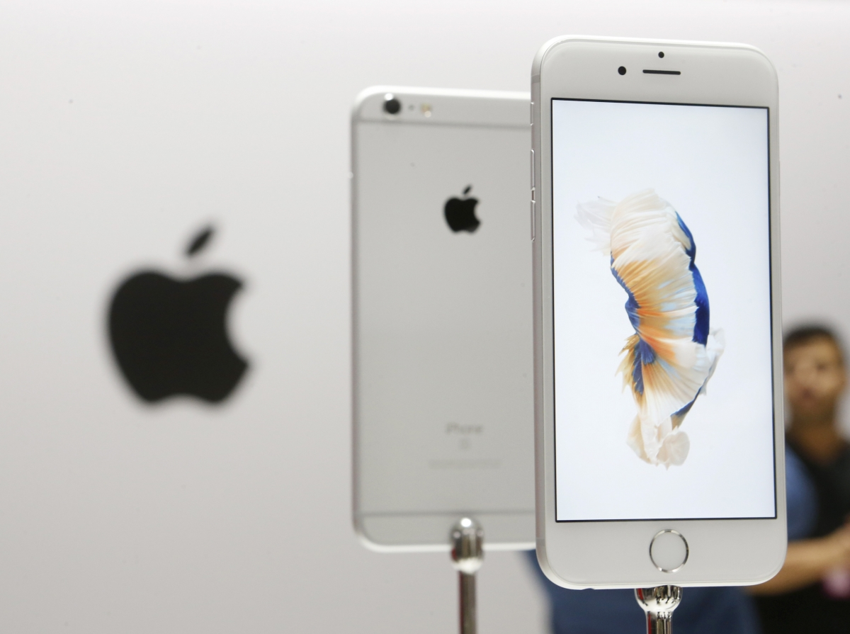 iPhone 6S at Apple event