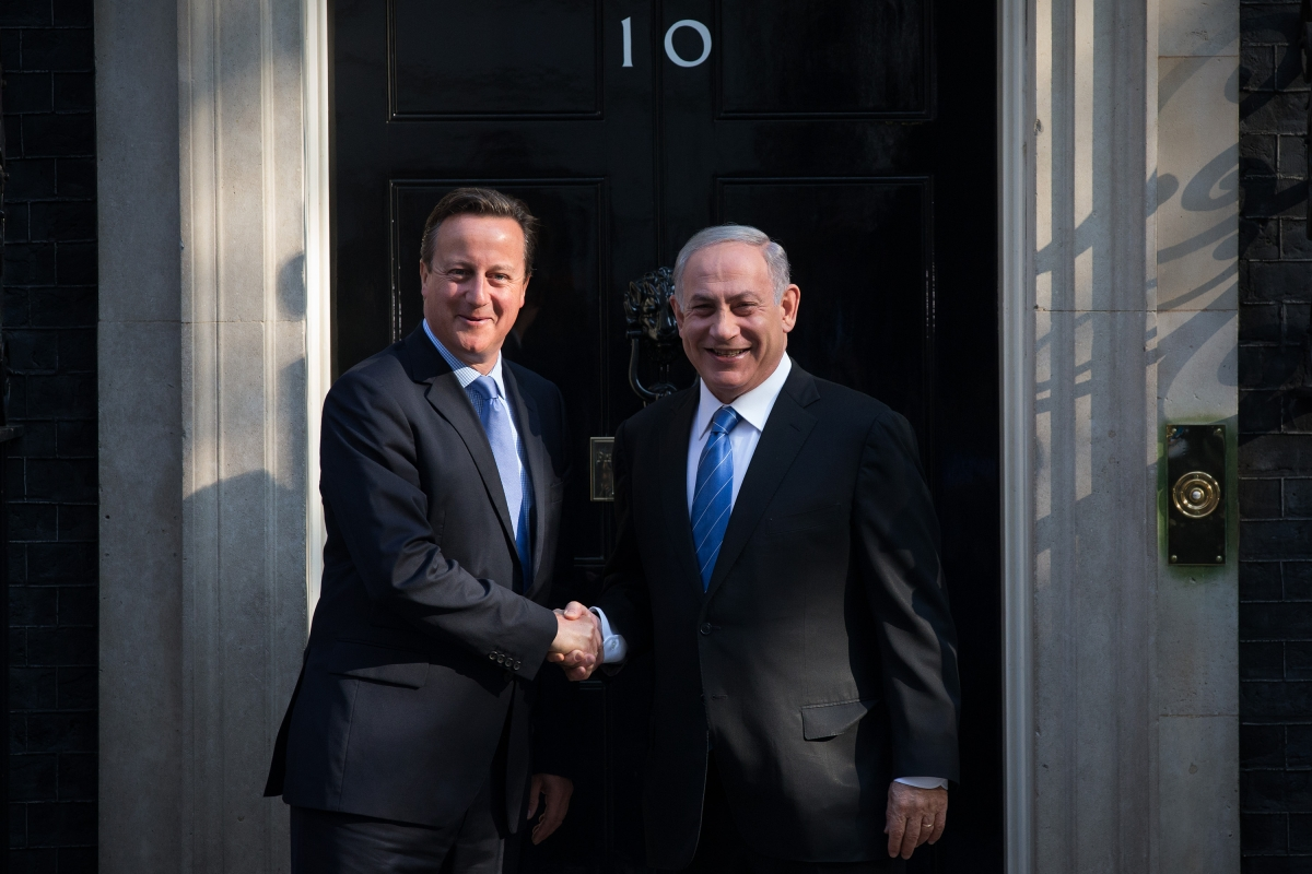 David Cameron greets Benjamin Netanyahu