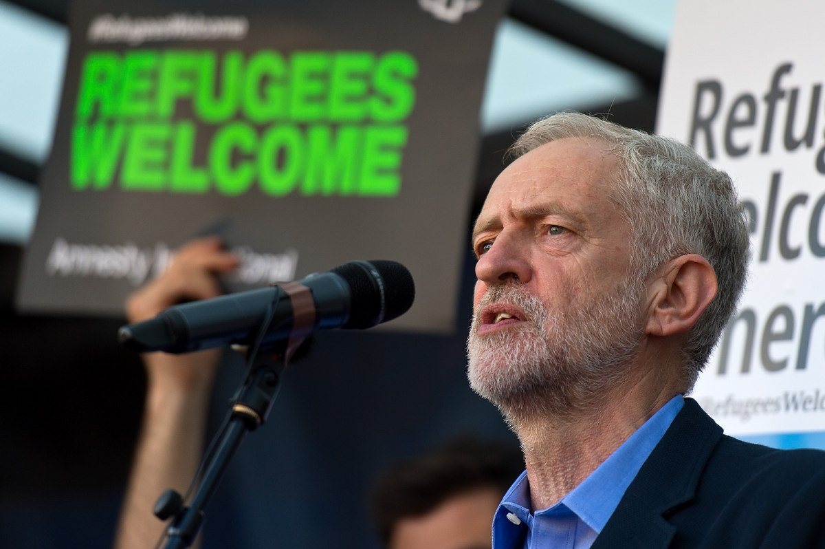 Corbyn addressing Refugees Welcome rally