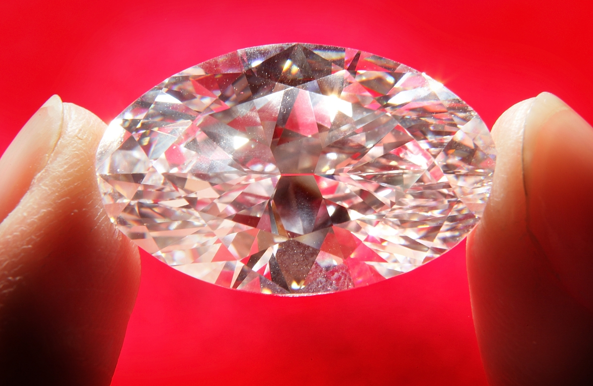 Diamond Thief swallows stolen stone