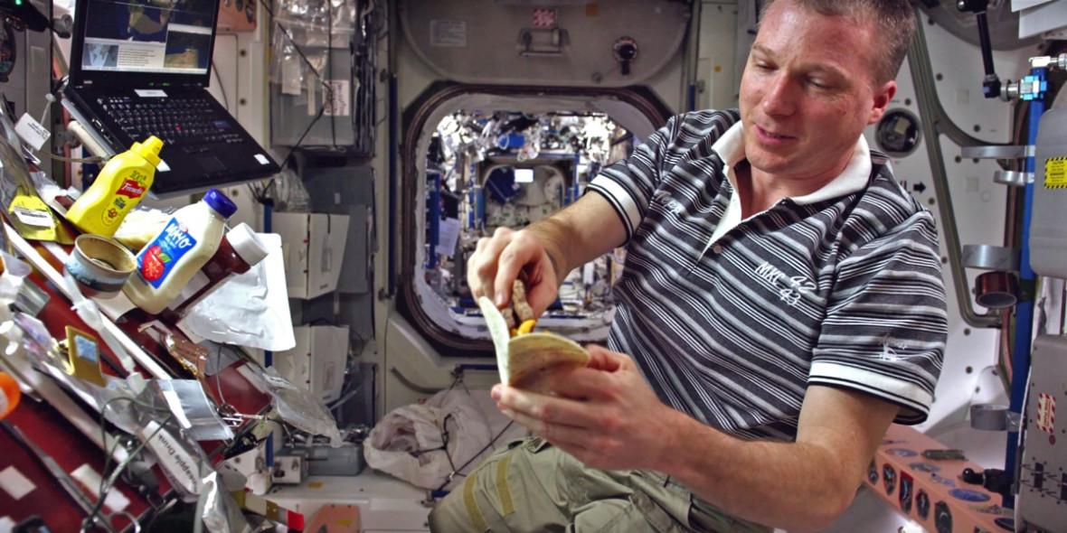 NASA astronaut Terry Virts makes space burger