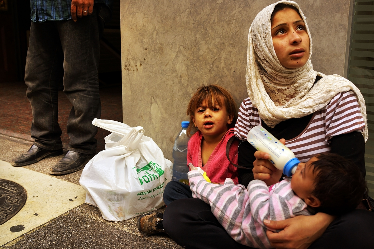 Syrian refugees face garbage crisis in Lebanon
