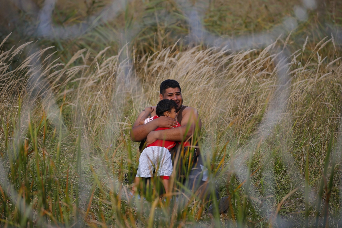 Hungary migrant border fence