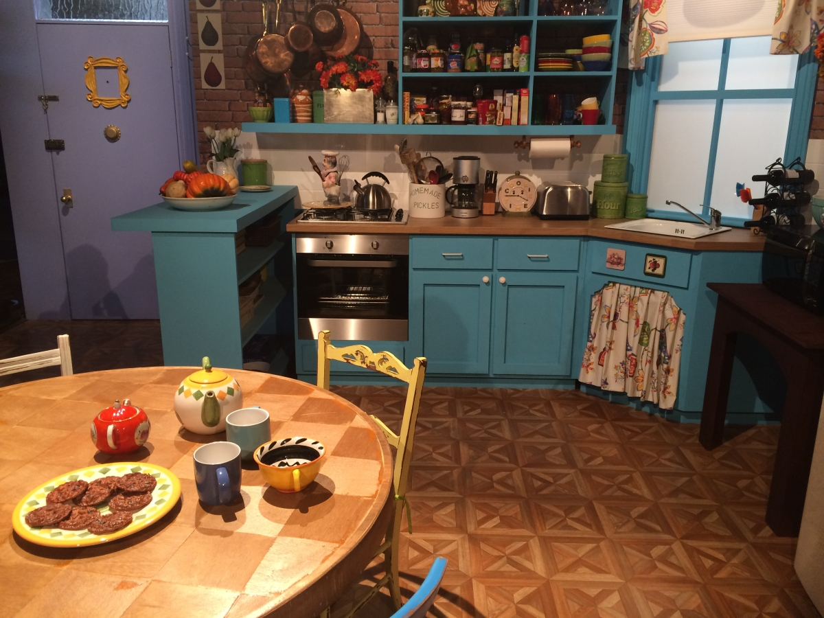 #FriendsFest: Inside M...