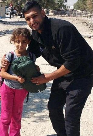 Amir Khan migrants
