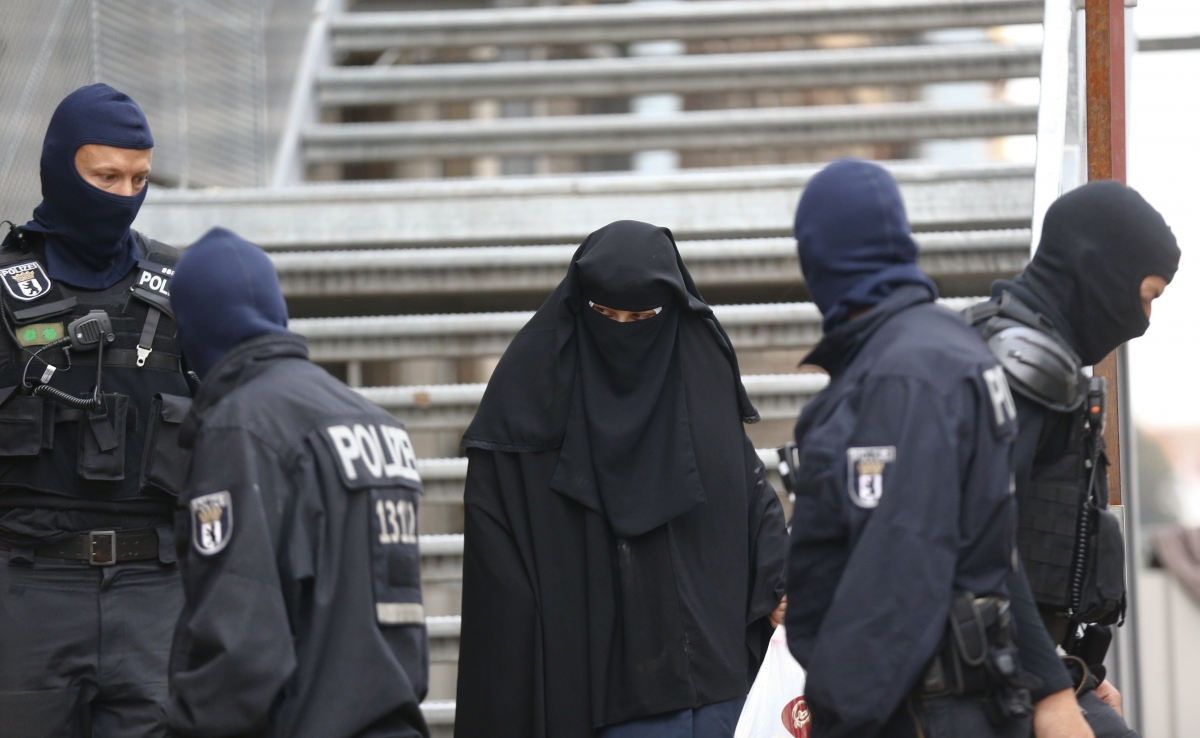 Isis: Berlin mosque raided