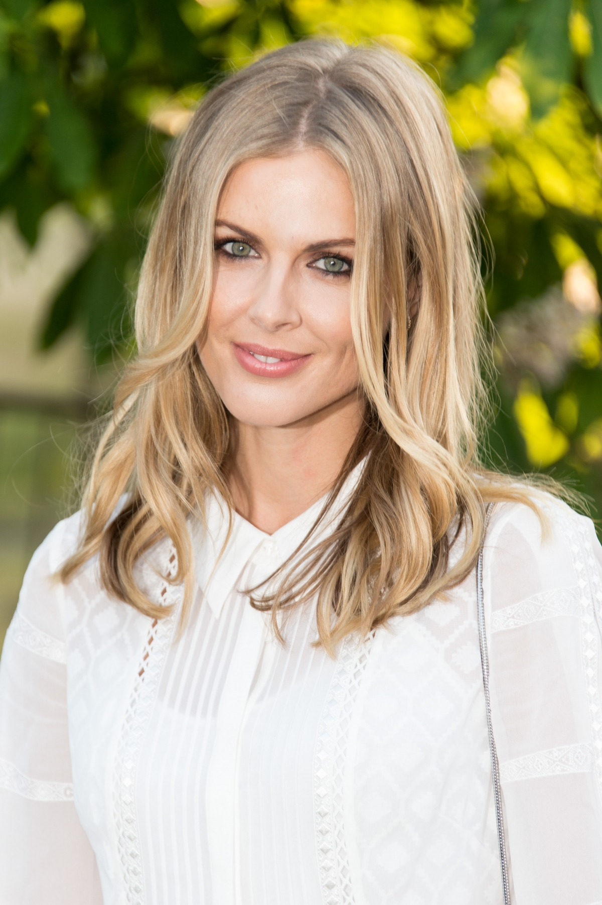 Donna Air splits from Middleton