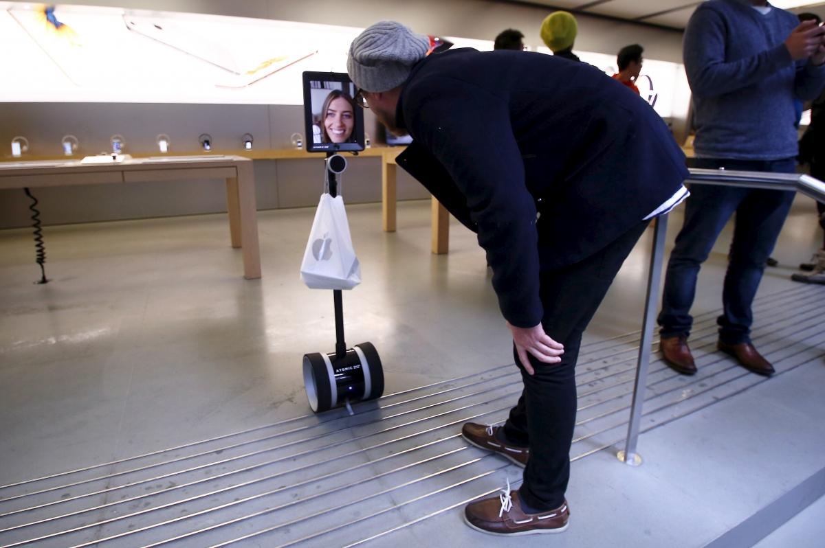iPhone 6s queue robot