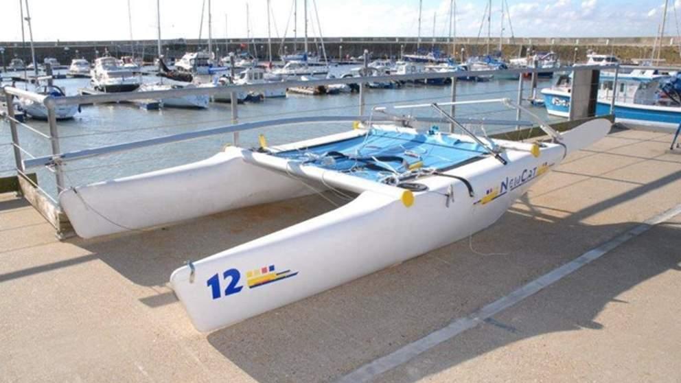 Catamaran Kent missing skipper