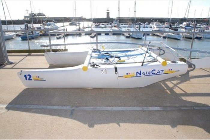 Catamaran Kent missing skipper