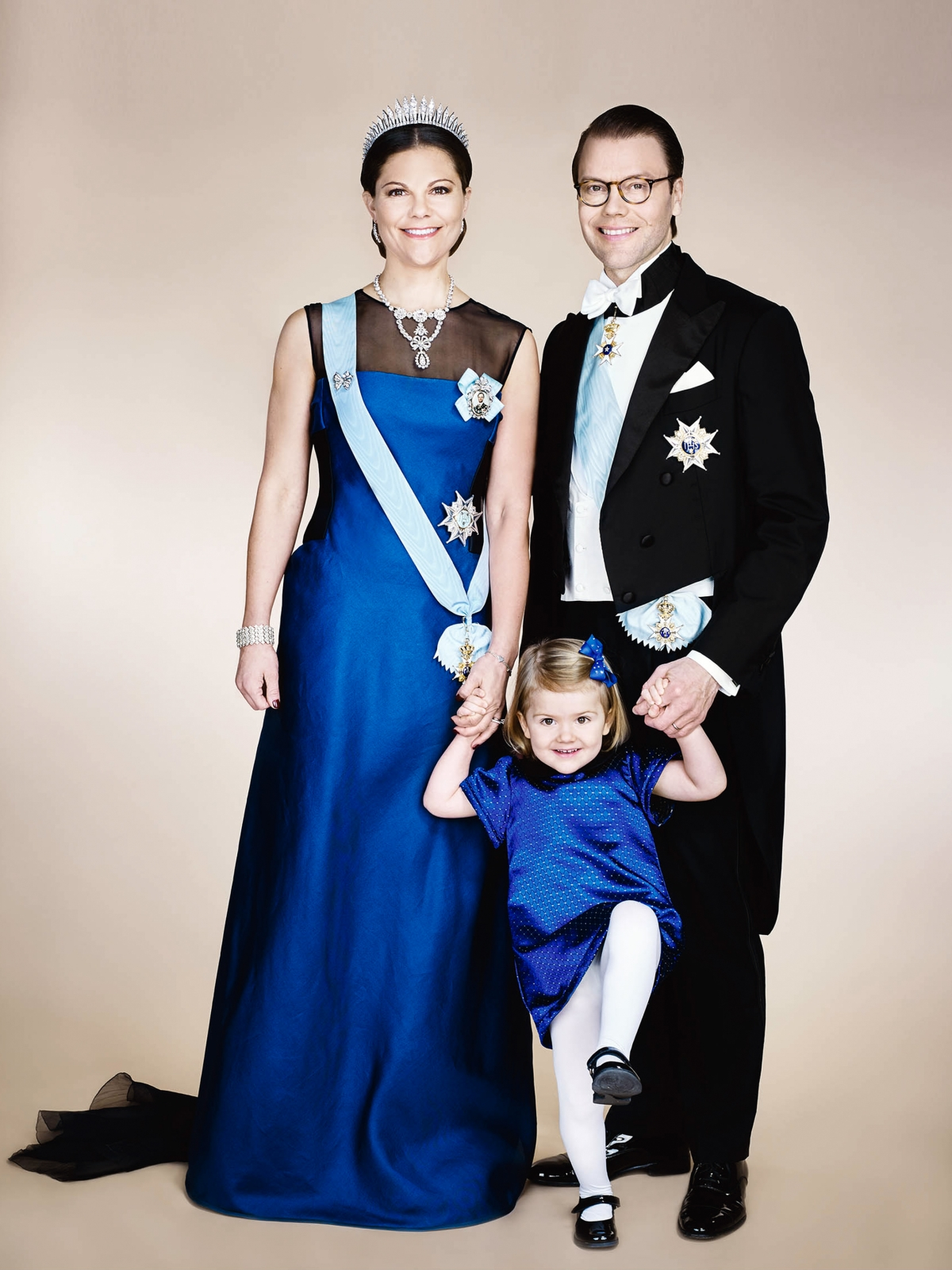 1621w Estelle S Dressy Dresses In Farmingdale Ny: Sweden's Princess Estelle Dances In New Official Royal Photo