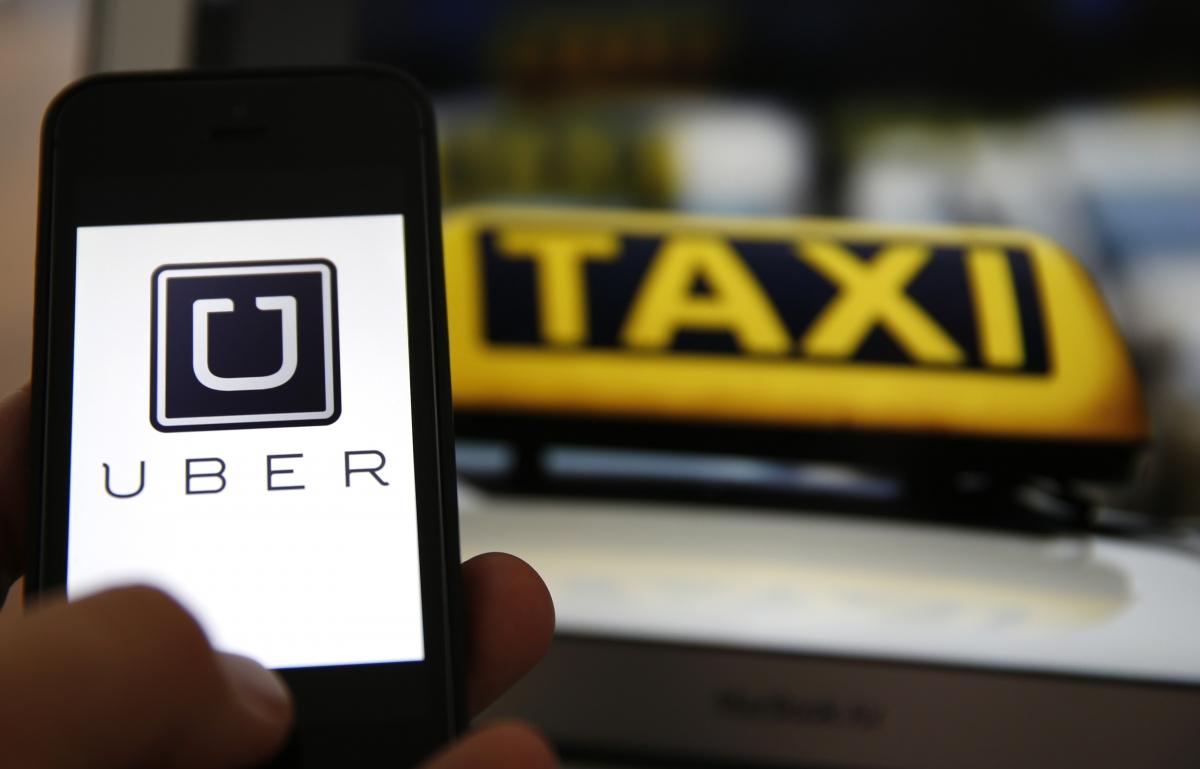 Uber logo & German taxi logo, Frankfurt