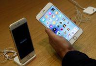 Apple iPhone 6S, 6S Plus