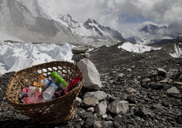 Rubbish on Mt Everest