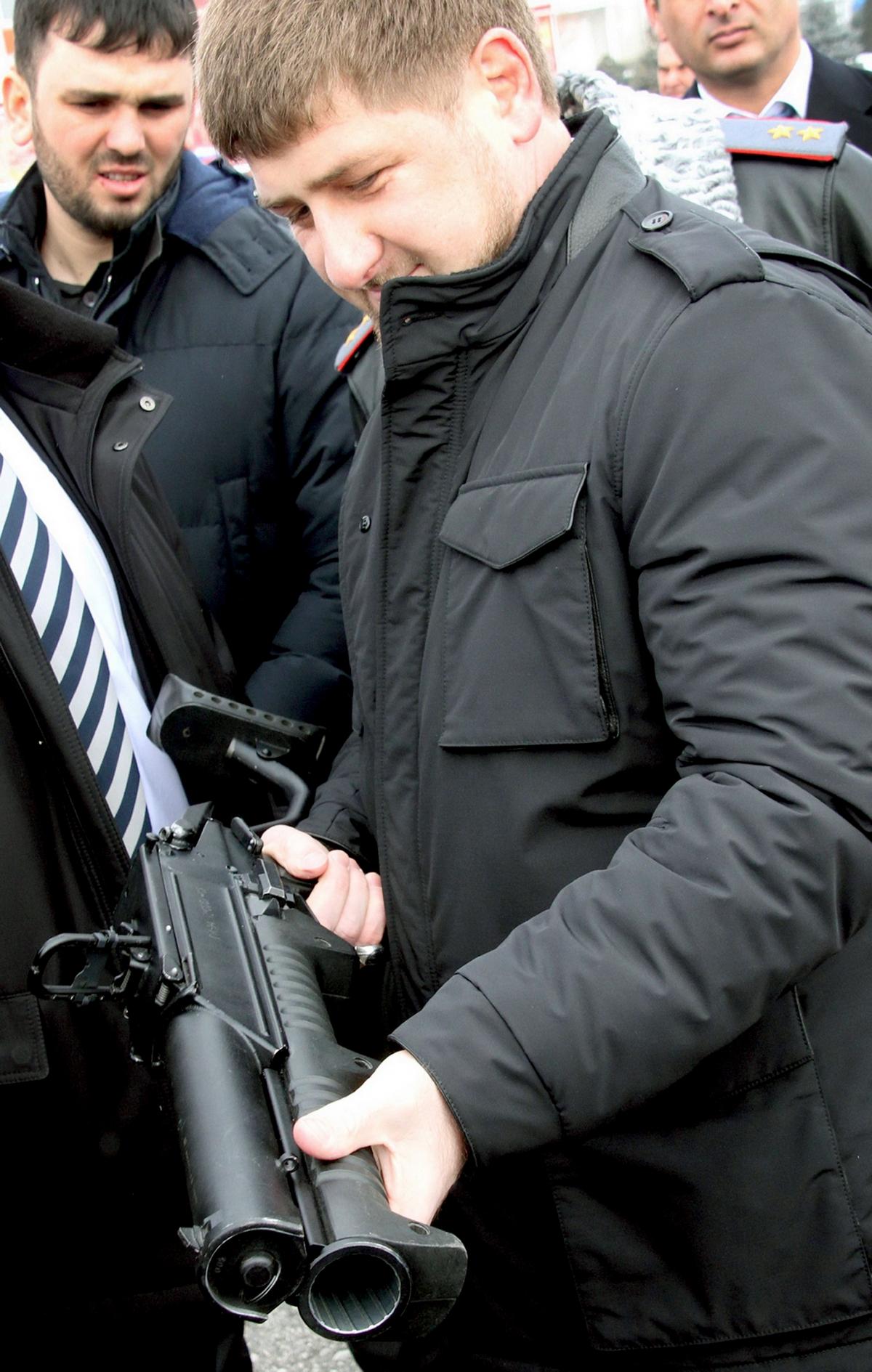 Ramzan Kadyrov inspects a GM-95 grenade launcher