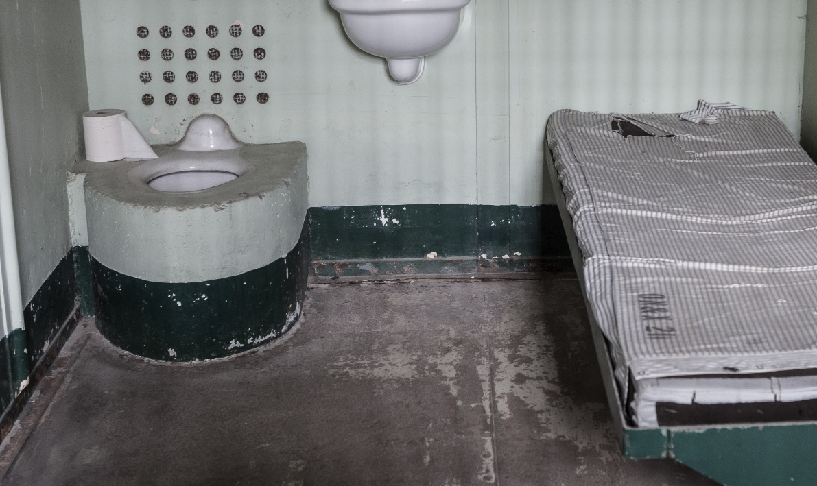 Bristol Prisoner Cuts Own Penis Off And Attempts To Flush