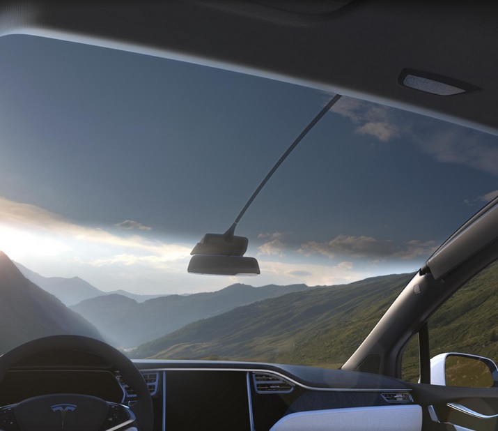 Tesla Model X panoramic windscreen