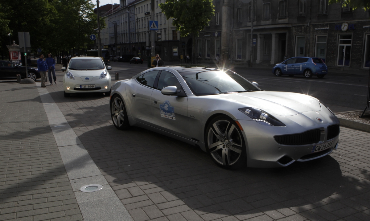 Fisker Karma electric hybrid car