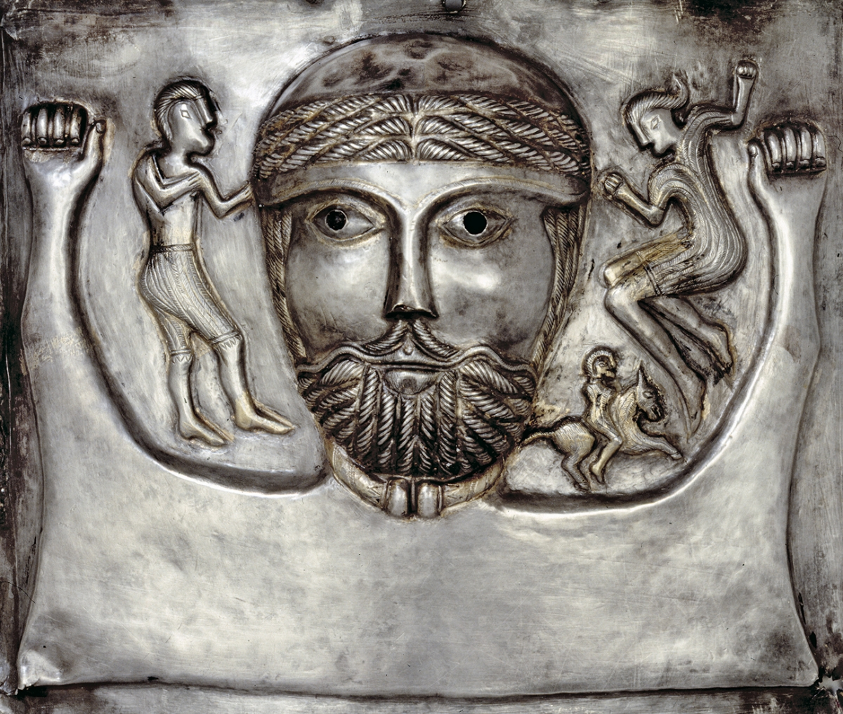 The ancient Celts: Bloodthirsty naked warriors or lovers of fine arts?
