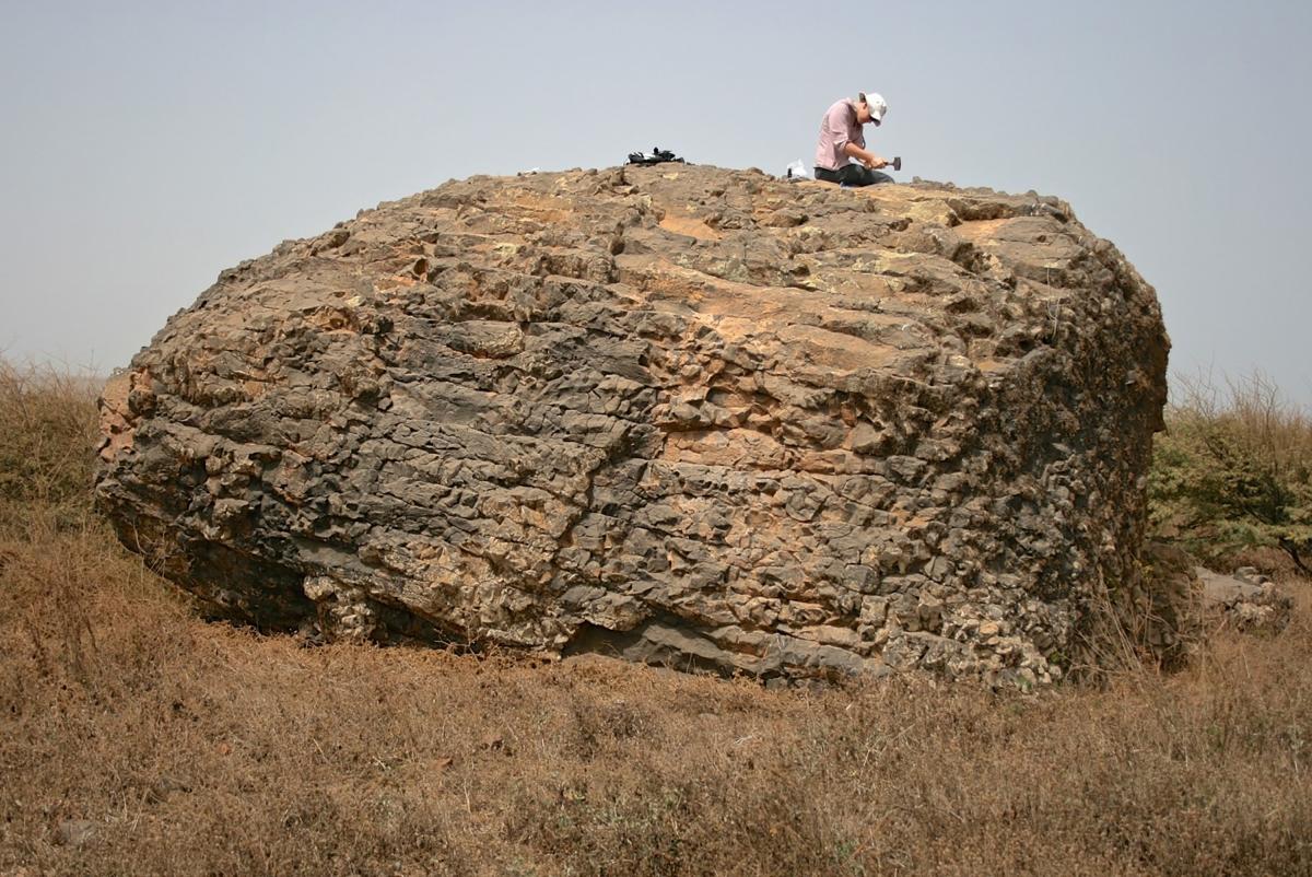mega tsunami boulder