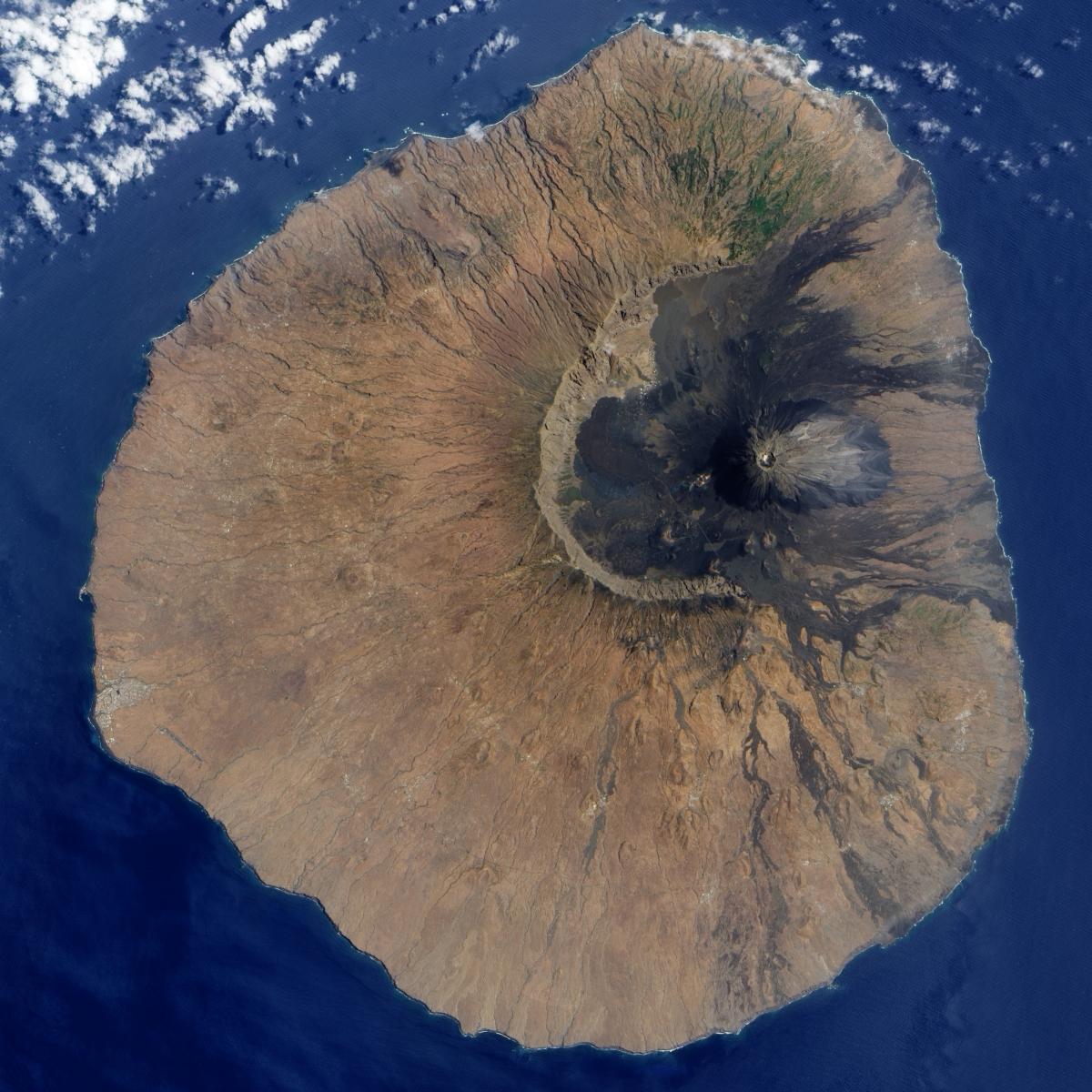 fogo volcano mega tsunami
