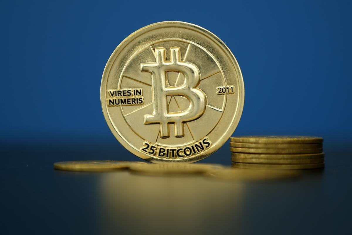 bitcoin silk road auction FBI