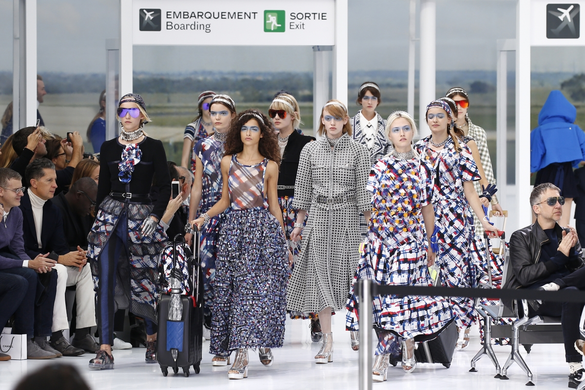 Chanel SS'16 catwalk finale