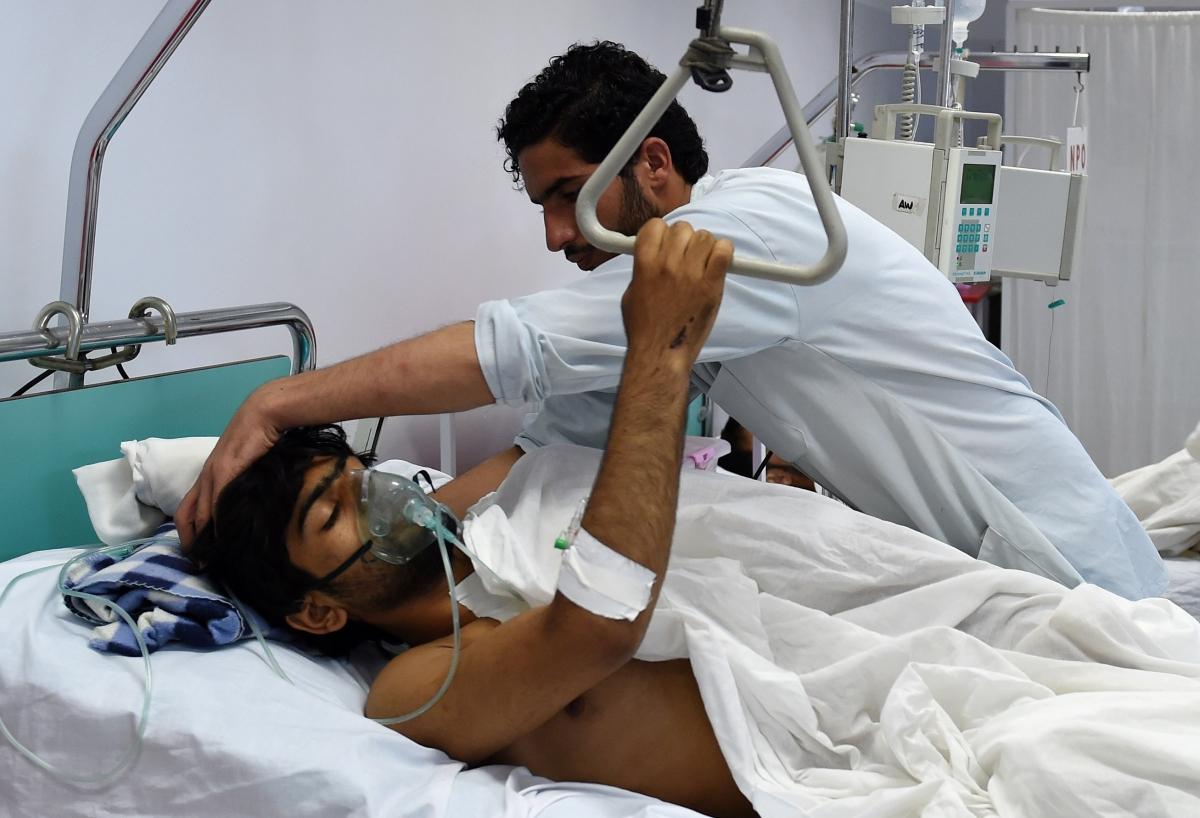 A staff member at an MSF hospitalbom