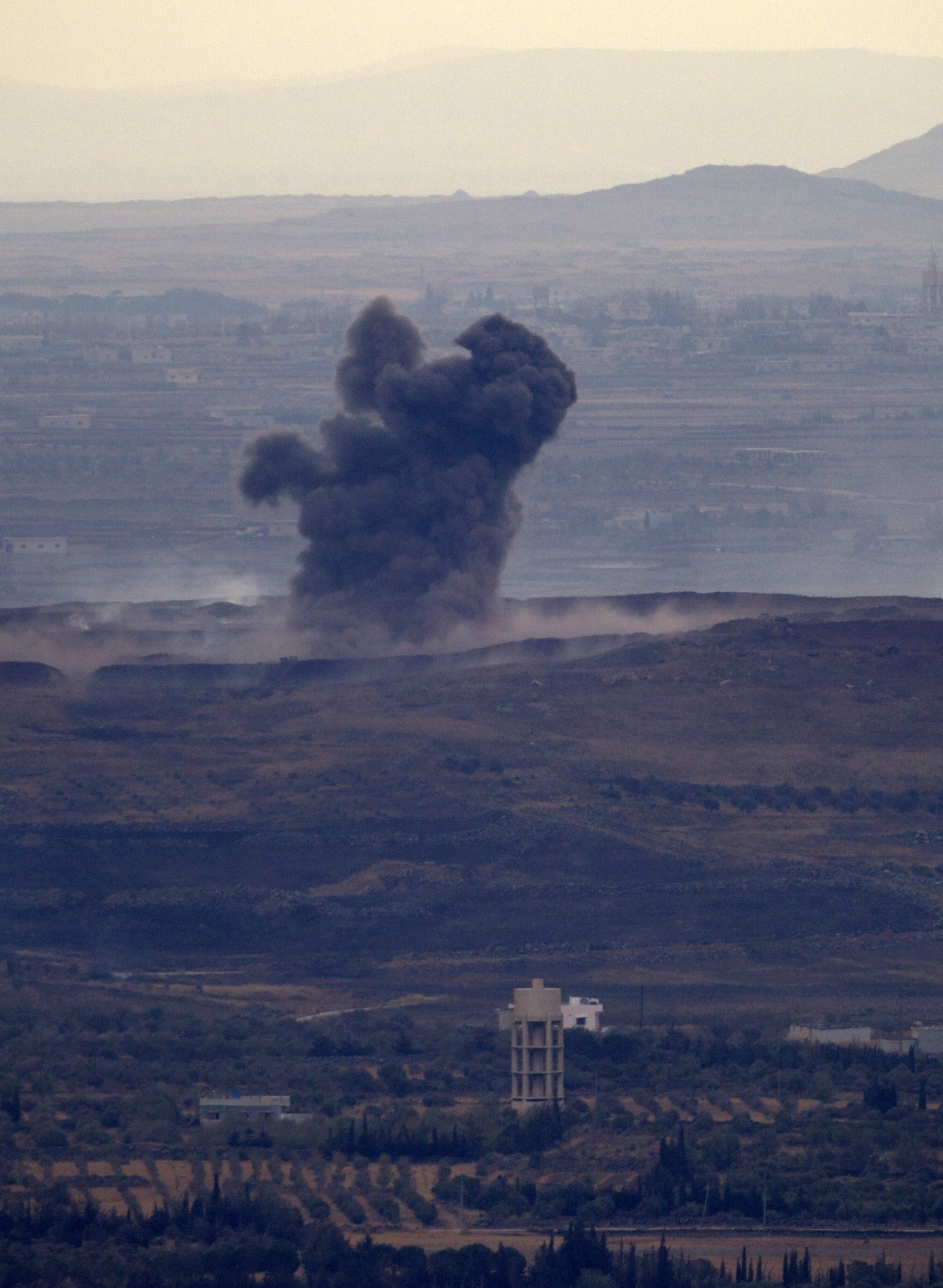 Syrian government forces shell rebel positions