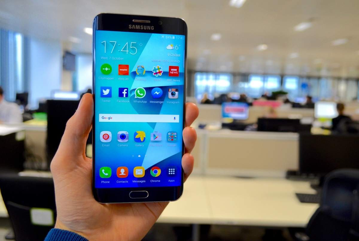 Samsung Galaxy S6 Edge Plus Review: Big And Beautiful But