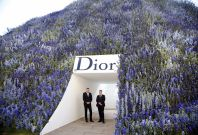 Christian Dior SS\'16 runway set