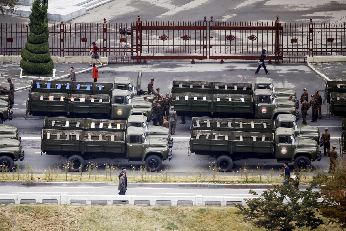Soldiers, Pyongyang
