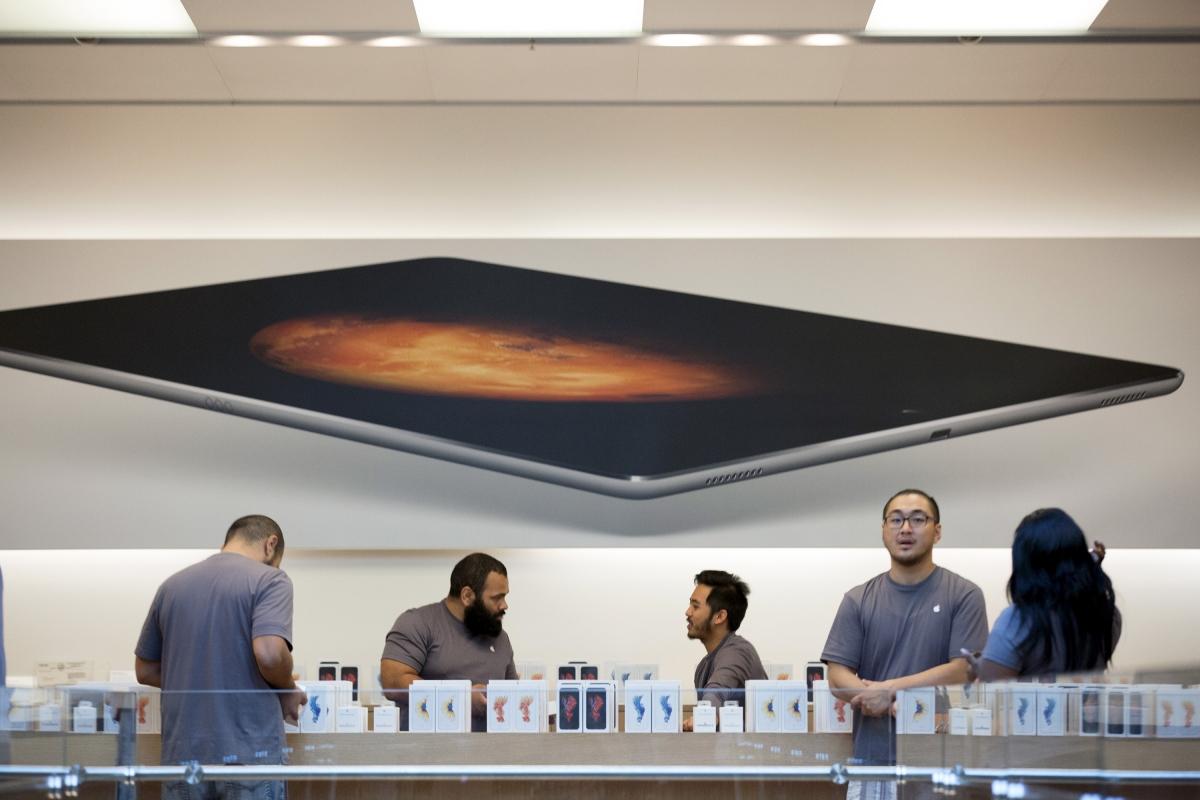iPhone 6s sales