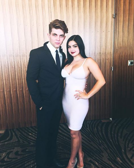 Modern Family S Ariel Winter Shows Off Curves On Instagram