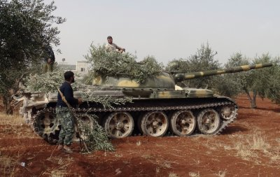 Syria rebels tank