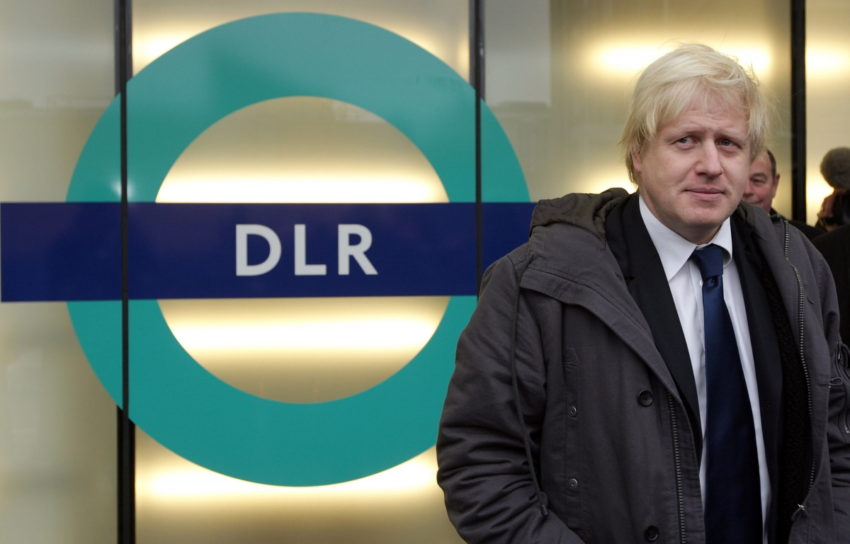Boris Johnson and DLR sign