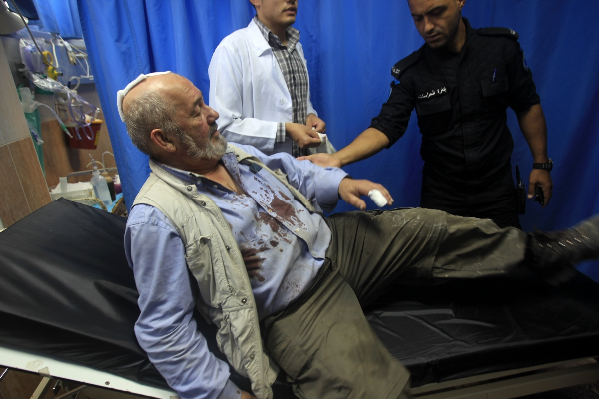 David Amos attacked by Israeli settlers