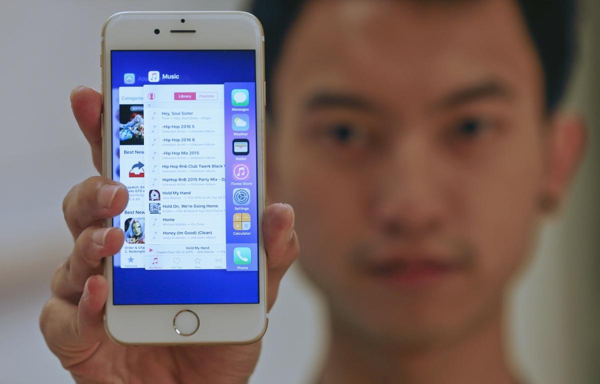 iOS 9 running iPhone