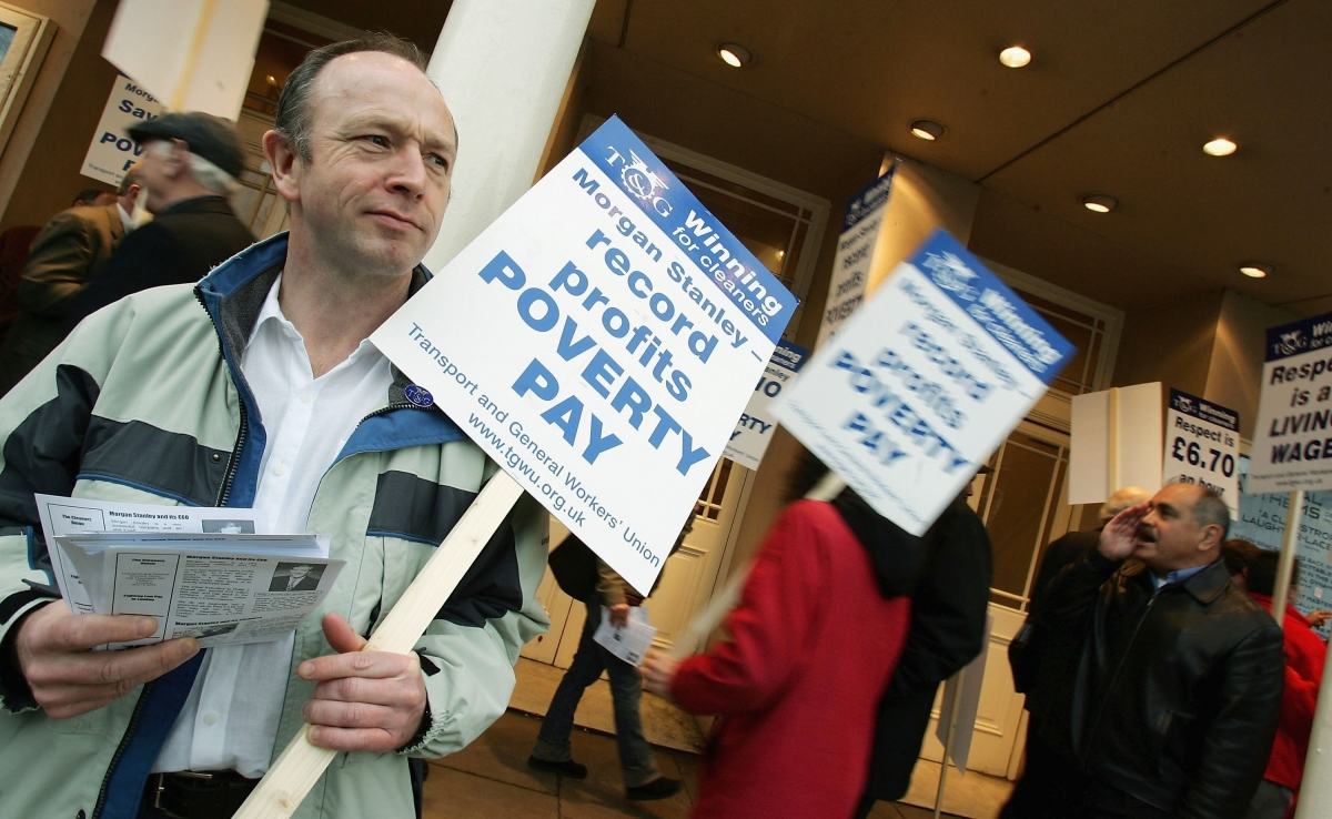 uk poverty pay zero hours contracts
