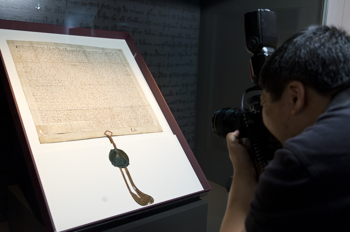 Magna Carta 800 China