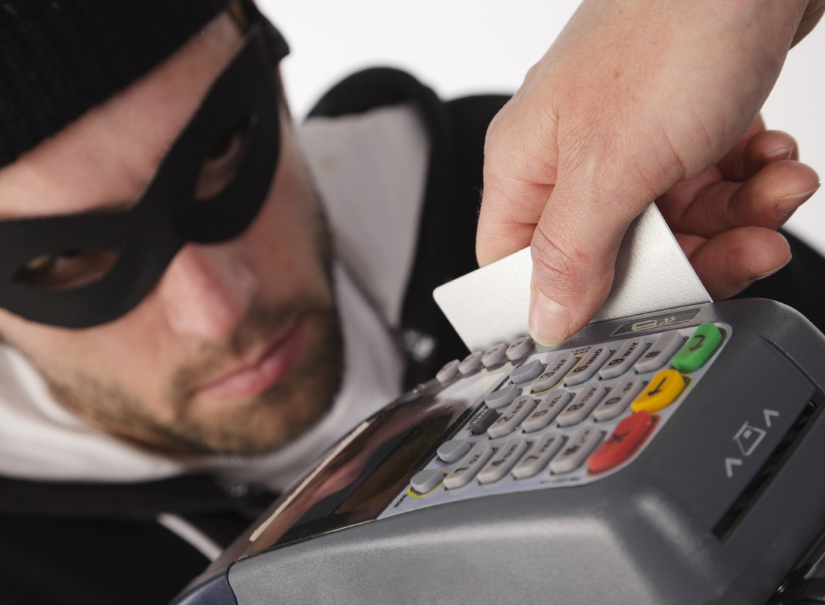 credit card fraud essay Fear of credit card fraud tops terrorism the thing that's got consumers on edge these days is digital fraud.