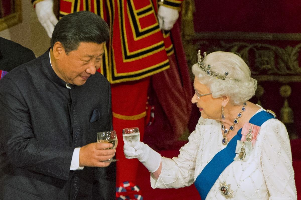 Xi Jinping & Queen Elizabeth II