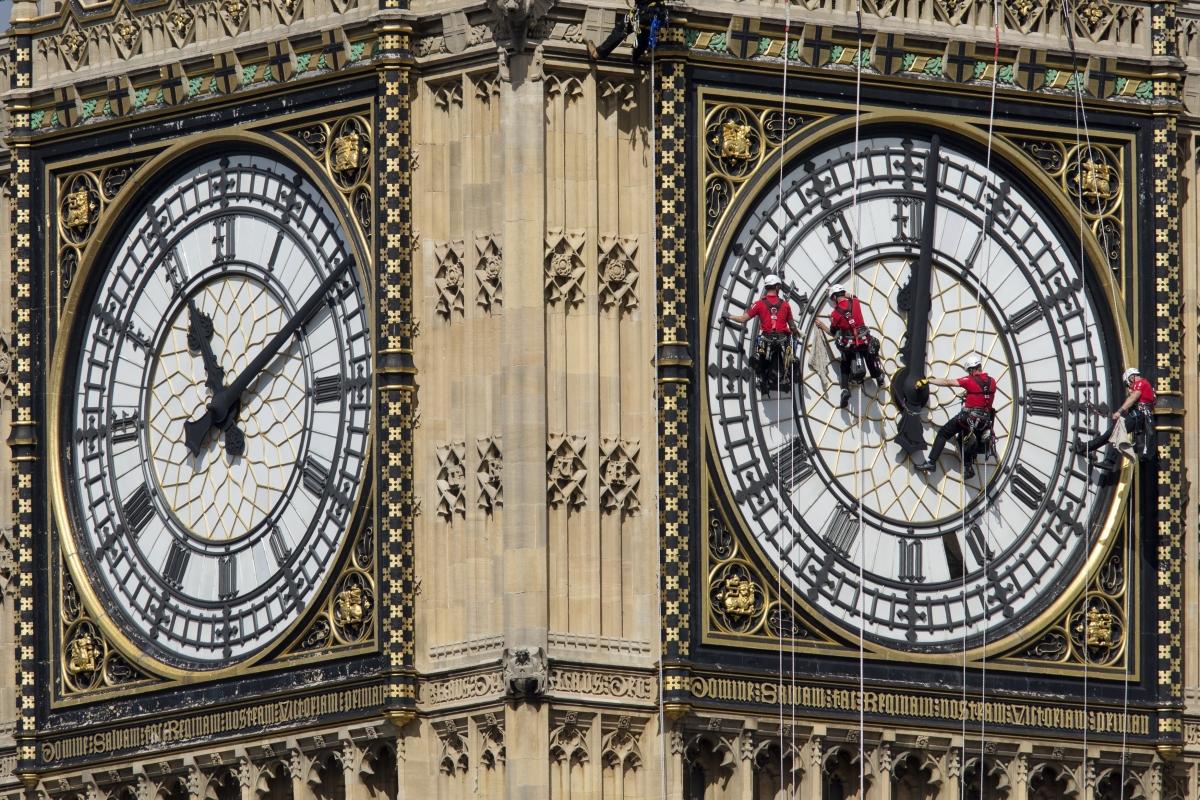 clocks go back change 2015