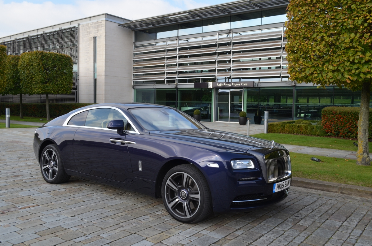 rolls royce wraith 2015 review blending luxury with performance this is the ultimate grand tourer. Black Bedroom Furniture Sets. Home Design Ideas