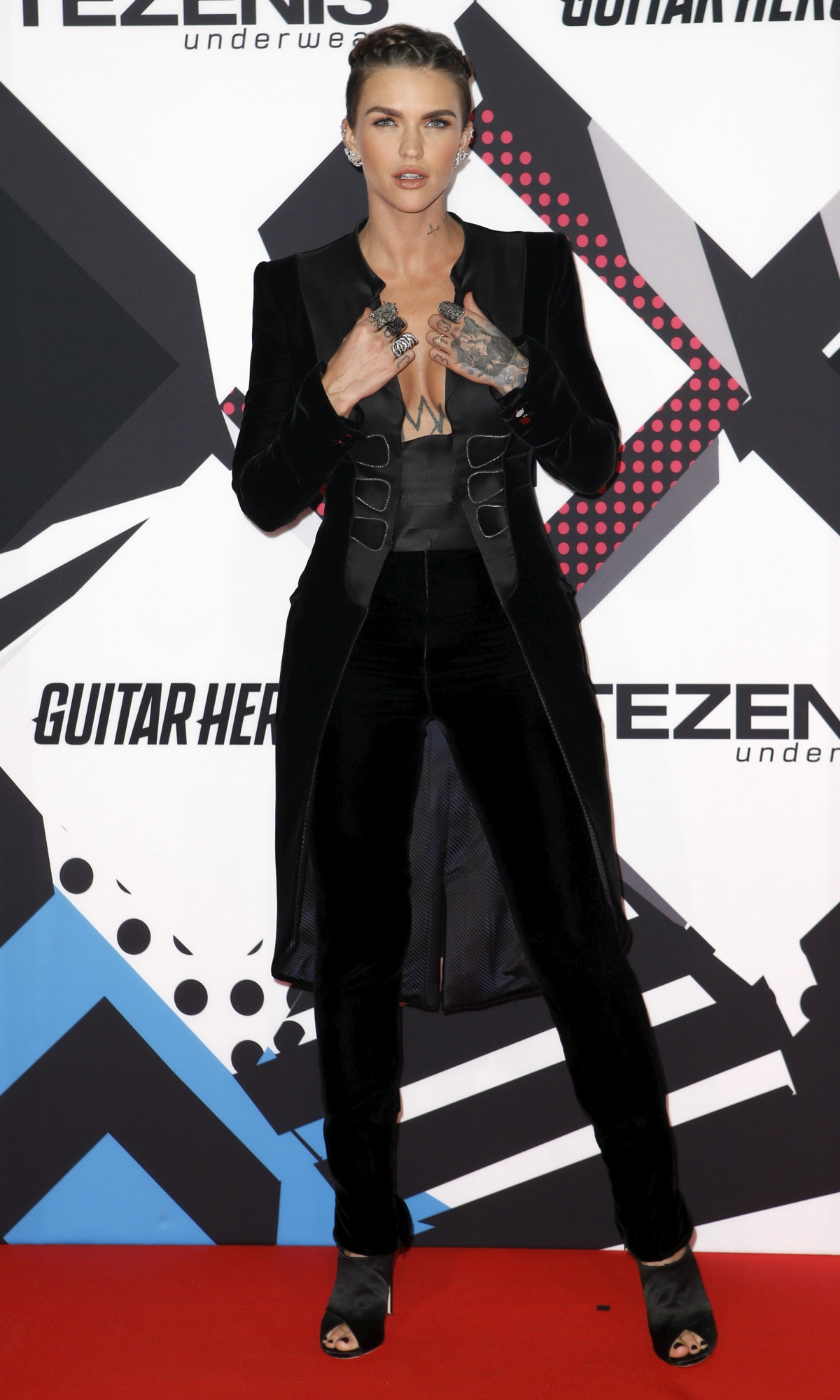 MTV EMA 2015 red carpet