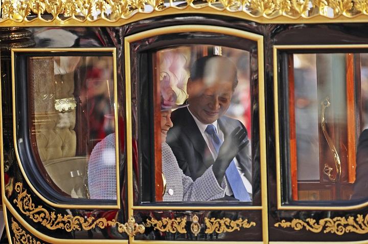 Queen Elizabeth & Xi Jinping