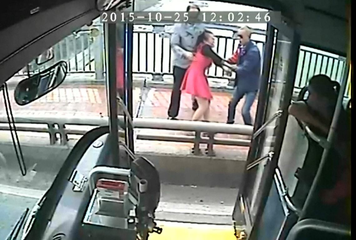 Chinese bus driver stops woman committing suicide
