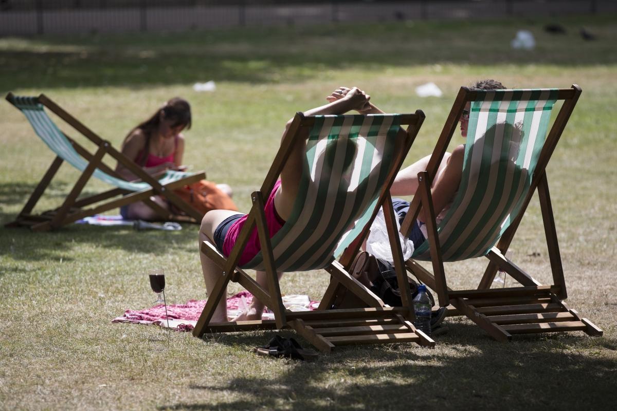 Heatwave hits London, England